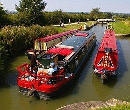 Wide beam and Narrowboat