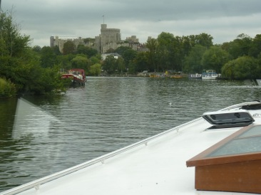 First sight of Windsor, another Piper on the left.